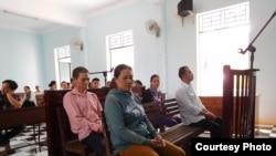 Phiên tòa xử người vượt biên ở Bình Thuận.