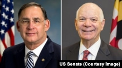 سناتور بن کاردن (راست) و سناتور جان بزمن