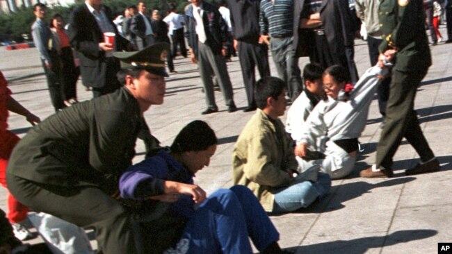 镇压法轮功20年后,中国宗教迫害更深更广