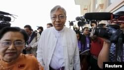 昂山素姬密友廷覺(中)參選緬甸總統。(2016年2月1日資料照。)