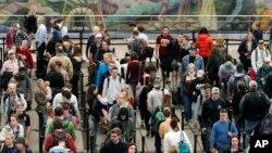 Este año se estima número récord de viajeros por tierra y aire.