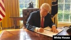 Ông Trump ước tính chi phí xây dựng bức tường Mỹ-Mexico là khoảng 12 tỷ USD.