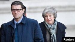 Un número creciente de políticos británicos creen que un nuevo referendo es la única forma para salir del impasse político sobre el Brexit.