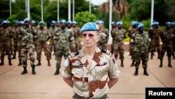 Une parade des casques bleus de la Mission des Nations unies au mali (Minusma) à Bamako, Mali, 1er juillet 2013.