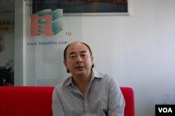 上海慧澳企业管理咨询有限公司总经理苏基杰(美国之音林森拍摄)