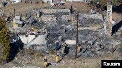 Autoridades investigan las causas del incendio de la cabaña en la que murió el prófugo Christopher Dorner.