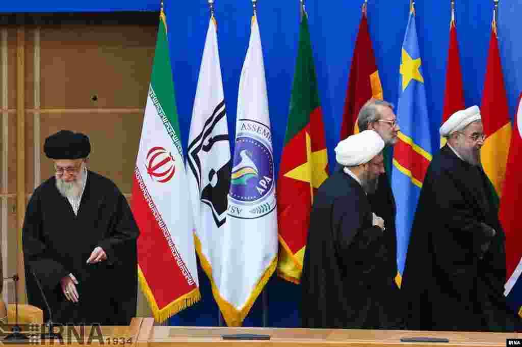 ایران دوباره کنفرانس بین المللی حمایت از انتفاضه فلسطین برگزار کرد. از کشورها خواست از آنچه «قیام فلسطینیها» علیه اسرائیل نامیدند، حمایت کند. چه فکر می کنید؟ عکس: مهدی قربانی