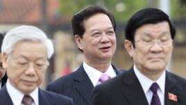 Từ trái: Tổng bí thư Nguyễn Phú Trọng (trái), Thủ tướng Nguyễn Tấn Dũng (giữa) và Chủ tịch nước Việt Nam Trương Tấn Sang