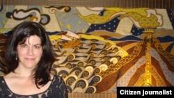 Donna Backues, seniman AS yang hobi membatik (foto/dok: Donna Backues)