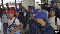 Công nhân Philippines được sơ tán khỏi Libya về tới Manila