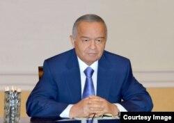 Islom Karimov, Oqsaroy