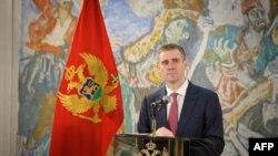 Crnogorski premijer govori na godišnjoj konferenciji za novinare na Cetinju