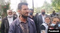 Xoşbulaq kəndinin bir qrup sakini Prezident Administrasiyasının binası qarşısında aksiya keçirib