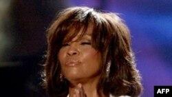 Ca sĩ Whitney Houston được tưởng nhớ trước lễ trao giải Grammy