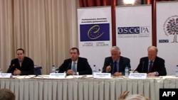 Vëzhguesit vlerësojnë zgjedhjet në Maqedoni