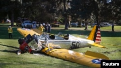 Самолет Харрисона Форда после жесткой посадки