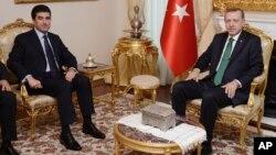 Thủ tướng Thổ Nhĩ Kỳ Recep Tayyip Erdogan (phải), và người đứng đầu chính phủ khu vực người Kurd ở Iraq họp ở Ankara, Thổ Nhĩ Kỳ, 27/11/13