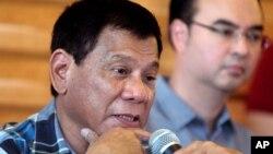 Rodrigo Duterte, yang hampir dapat dipastikan akan terpilih sebagai presiden Filipina, dinilai melanggar UU hak perempuan (foto: dok).