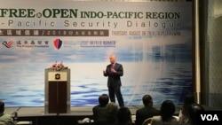 前歐洲盟軍最高司令部司令斯塔夫里迪斯在台北的印太安全對話上說,台灣是應對挑戰的組成部分。(美國之音蕭洵攝影)