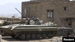 Các lực lượng đối nghịch đã giao tranh ác liệt kể từ ngày thứ Năm để giành quyền kiểm soát một trong những tư dinh của ông Hadi tại Aden.