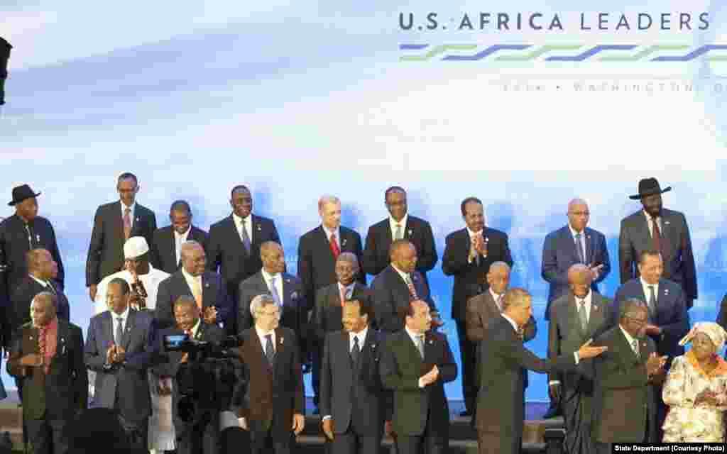 Viongozi wa nchi za Afrika pamoja na Rais Obama wakati wa mkutano wa viongozi Washington