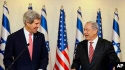 克里与以色列总理内塔尼亚胡在耶路撒冷的记者会上