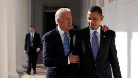 美国副总统拜登(左)与奥巴马总统