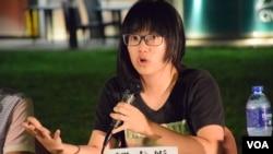 本身是大律師的香港支聯會副主席鄒幸彤表示, 她擔心12名被中國當局拘留的港青可能會被嚴刑迫供,阻嚇他們再發聲。(美國之音湯惠芸)