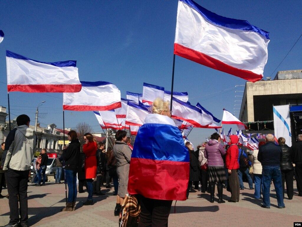 Former U.S. Ambassador to USSR: Let Russia Take Crimea