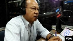 Ok Serei Sopheak, a governance specialist, talks on Hello VOA radio call-in show, file photo.