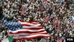 En total, los blancos no hispanos constituyen el 65% de la población, comparado con el 69% en 2000.