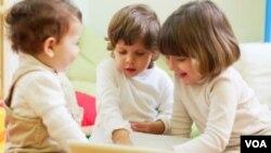 Un estudio destaca que en EE.UU. no suele haber guarderías infantiles en los centros de trabajo.