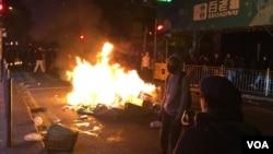 香港本土派人士认为,年初一的旺角警民冲突是民怨大爆发( 美国之音汤惠芸)。
