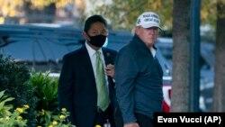 Predsjednik Donald Trump po povratku u Bijelu kuću sa partije golfa, 7. novemnar