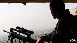 """El presidente Karzai condenó hoy el atentado contra el hotel de referencia como un """"acto brutal de terrorismo""""."""