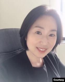 位于成都的四川大学-匹兹堡学院(SCUPI)人文及创作系助理教授郑雅凛