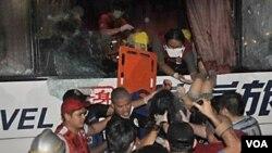 Operasi penyelamatan para sandera dalam pembajakan bis di Manila pada tanggal 23 Agustus yang dikecam oleh Hong Kong.