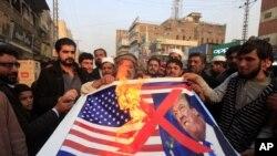 美国宣布停止向巴基斯坦提供安全援助后,白沙瓦发生反美示威