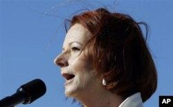 លោកស្រីនាយករដ្ឋមន្រ្តី Julia Gillard នៃប្រទេសអូស្រ្តាលី កំពុងប្រកួតប្រជែងការបោះឆ្នោតនៅក្នុងគណបក្ស។