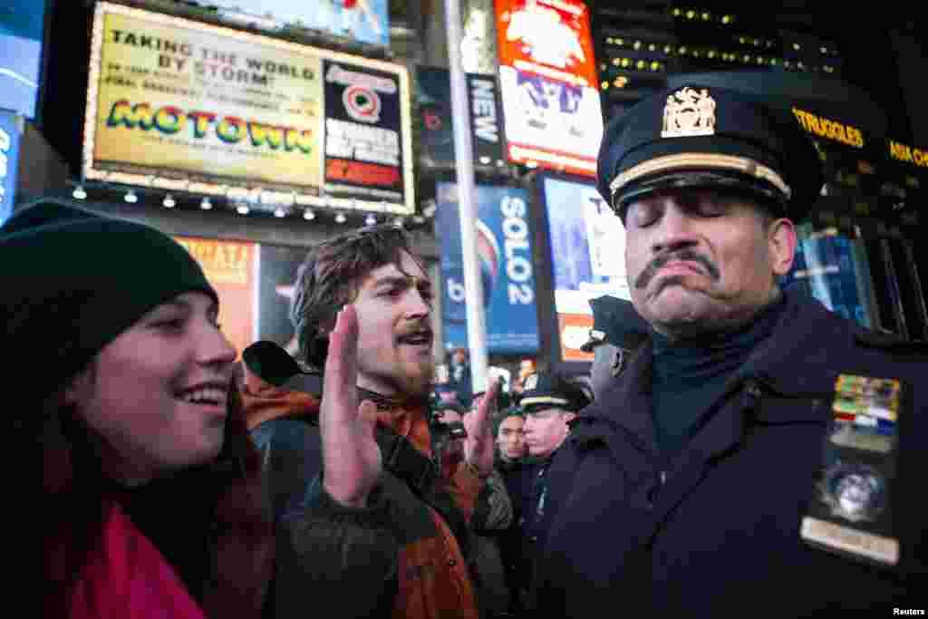 Nyu-York va boshqa shaharlarda politsiyaga qarshi namoyishlar