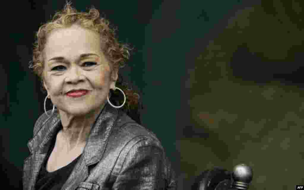 La legendaria cantante estadounidense de soul, rhythm y blues, Etta James falleció el 20 de enero.