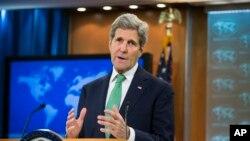 美國國務卿克里星期四在國務院對記者表示伊斯蘭國恐怖暴力是種族滅絕行徑。