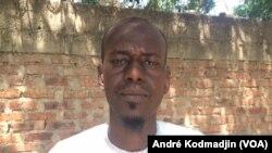 Ahmat Ramadan membre de la socité civile et natif du Tbesti à N'Djaména, le 11 novembre 2019. (VOA/André Kodmadjin)