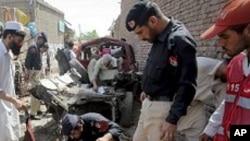 پشاور میں بم دھماکا، 12 افراد زخمی