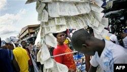 Chợ mở cửa trở lại ở Abidjan, Bờ Biển Ngà, sau cuộc bầu cử tổng thống, 4/11/2010