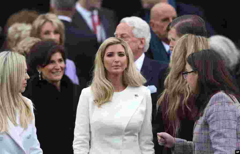 Ivanka Trump arrive pour l'investiture de son père, Donald Trump, au Capitol à Washington, le 20 janvier 2017.