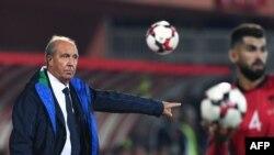 L'entraîneur-chef italien Gian Piero Ventura limogé après l'élimination surprise de la Nazionale dans la course au Mondial-2018 en novembre 2017.