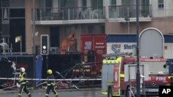 直升機星期三在倫敦墜毀的現場