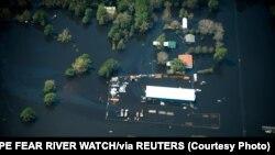 Nước lụt trong và quanh thành phố Wilmington, bang North Carolina, Mỹ, ngày 19 tháng 9, 2018 trong một bức hình lấy từ mạng xã hội ngày 21 tháng 9, 2018.