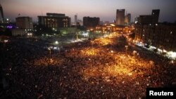 Crowds gather again in Cairo's Tahrir Square June 19, 2012.